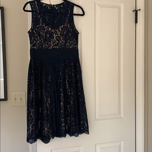 Lace navy and nice dress